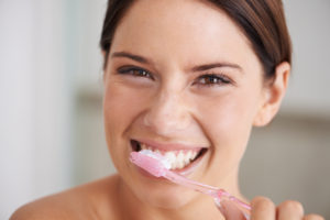 Your dentist in Hutchinson discusses the right way to brush and floss your teeth.